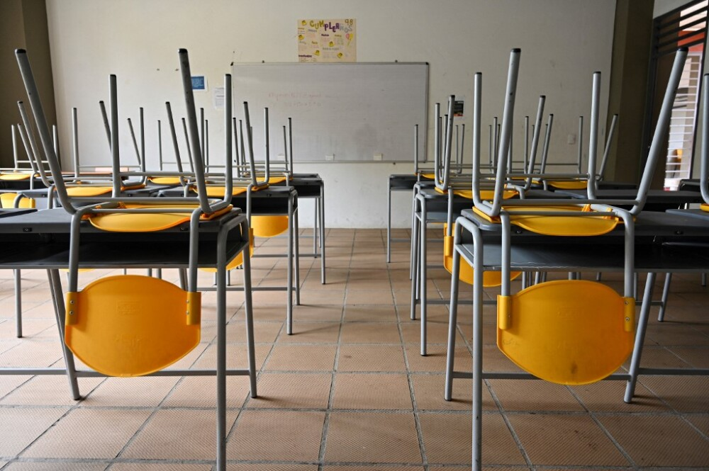 Salón de clases vacío.jpg