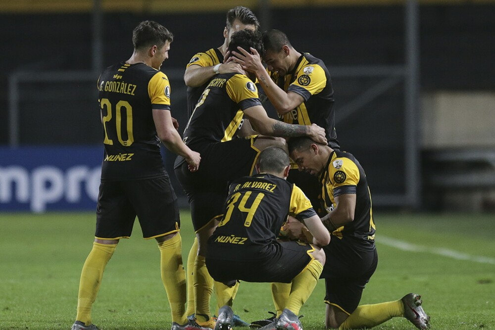 Peñarol-festeja-Libertadores-290920-AFP-E.jpg