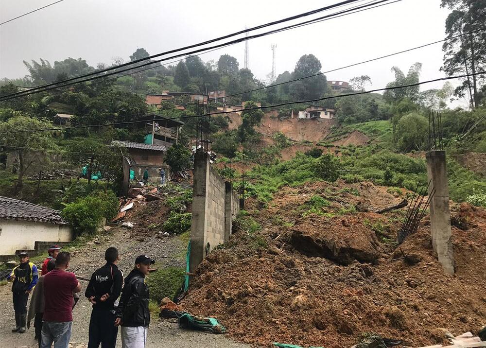336241_BLU Radio. Deslizamiento de tierra en Caldas / Foto: BLU Radio