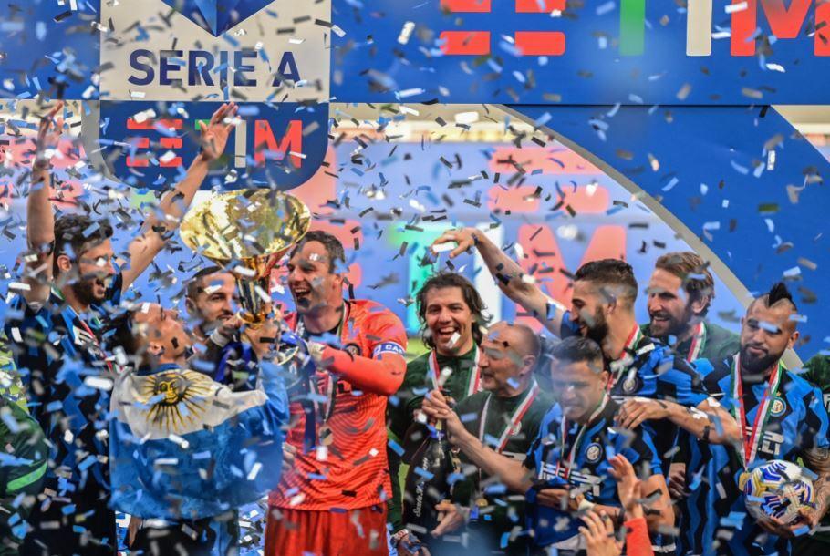Inter celebra Serie A 230521 Getty Images E.JPG