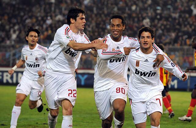 333769_Kaká con Ronaldinho