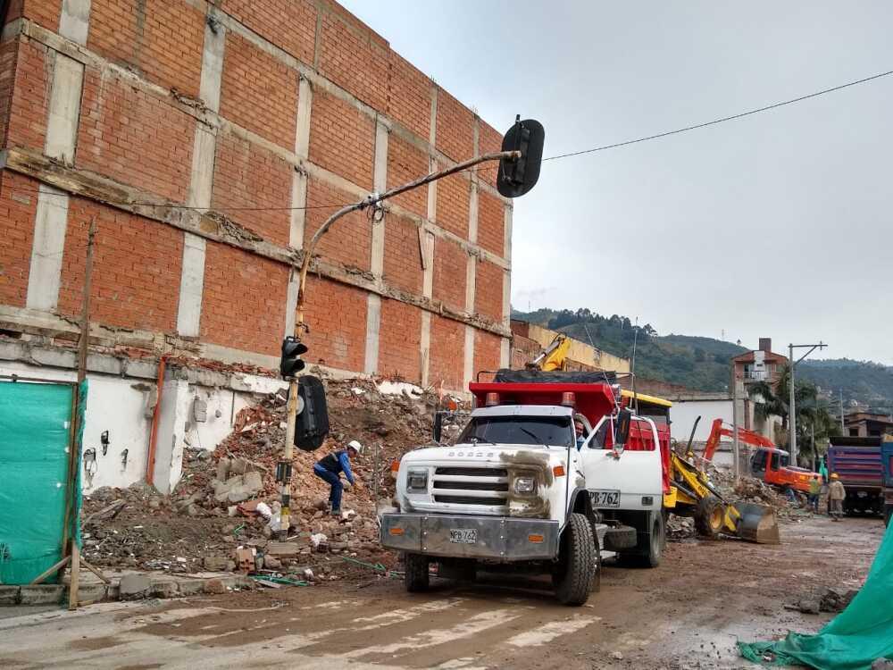 343746_BLU Radio. Desmonte del edificio Babilonia / Foto: BLU Radio