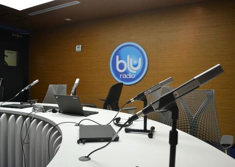 370433_Cabina BLU Radio // Foto: BLU Radio