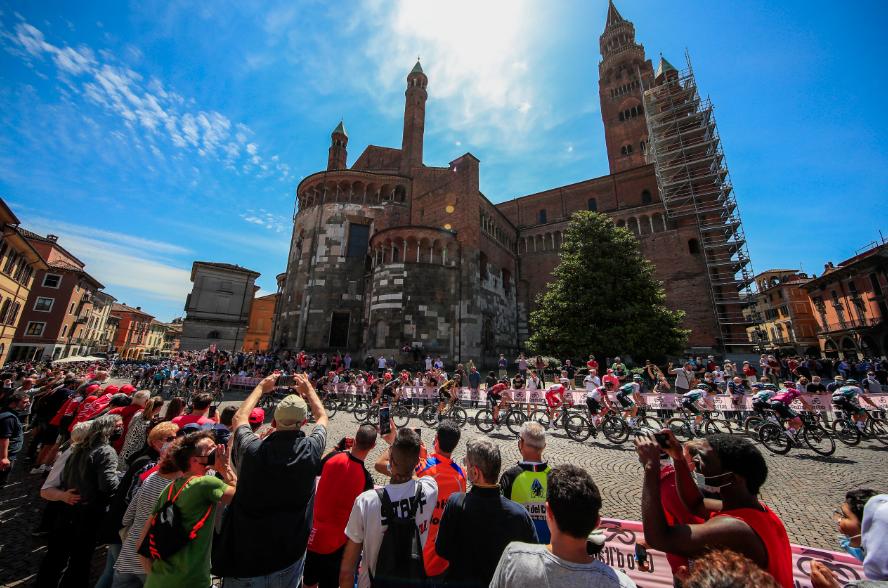Pelotón del Giro de Italia durante la etapa 18.