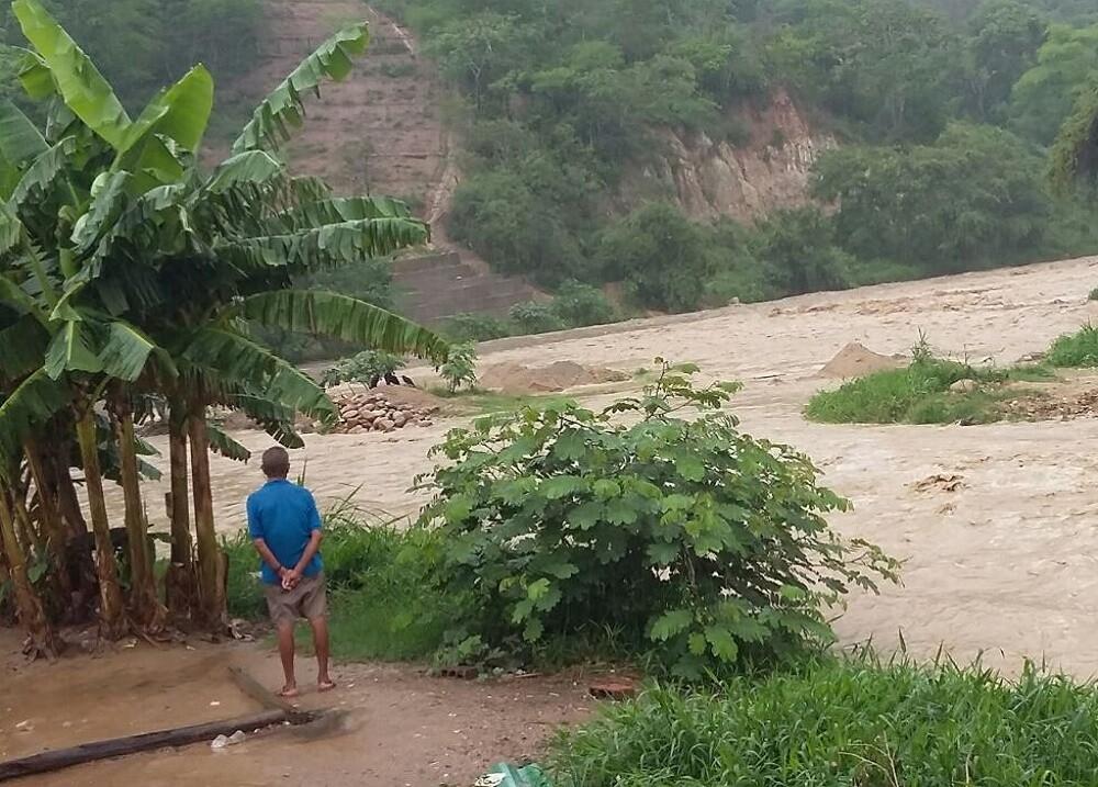 271933_BLU Radio, creciente rio / Foto referencia - suministrada organismos de socorro Santander
