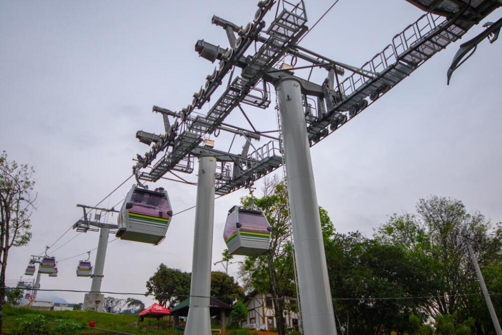 Metrocable Picacho de Medellín (2).jpg