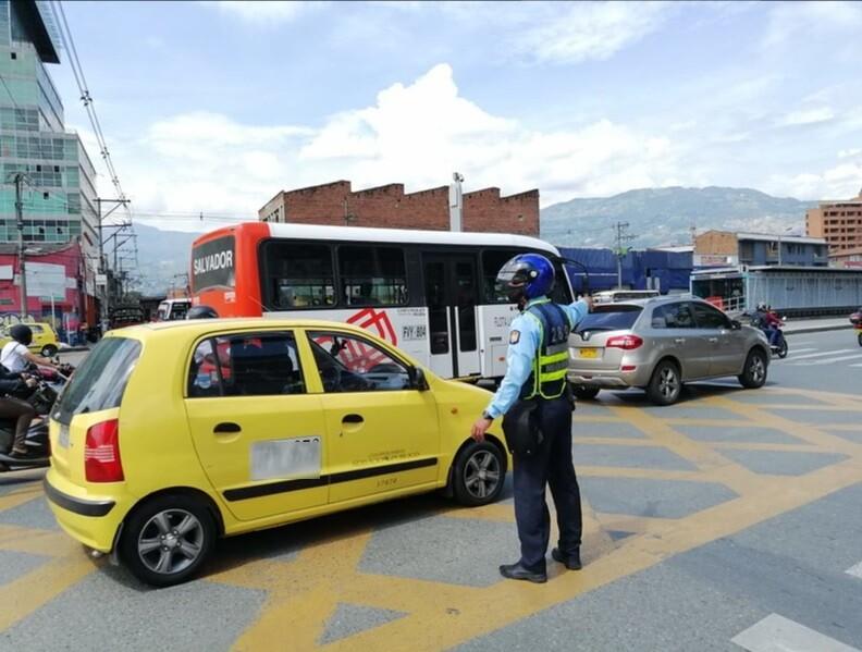 rotación de pico y placa para taxis en Medellín.jpg