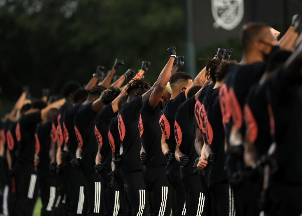370418_Protestas en la MLS contra el racismo / Foto: AFP
