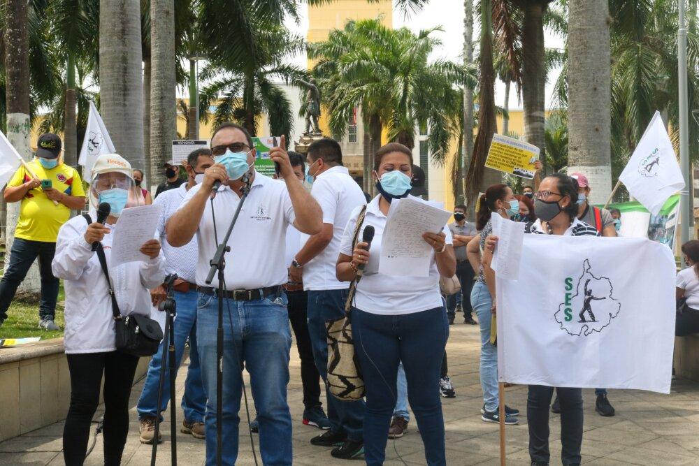 FOTO PROTESTA PROFESORES ABRIL 19.jpg