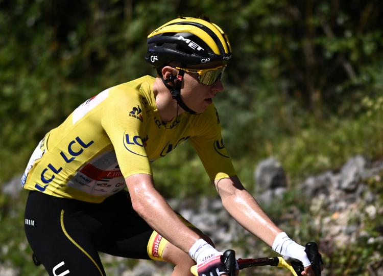 Tadej Pogacar es líder del Tour de Francia tras la etapa 12.