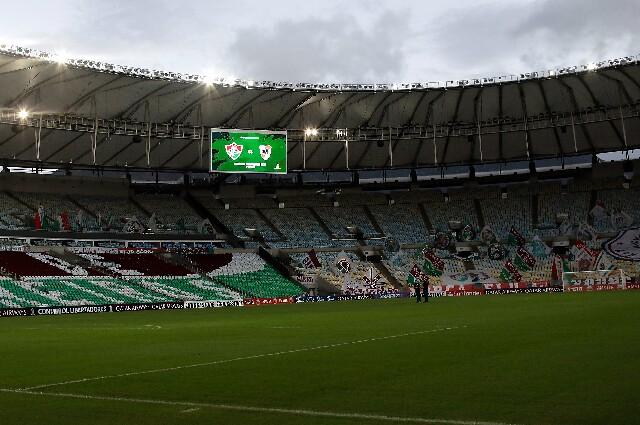 Vuelta de los aficionados a los estadios en Brasil