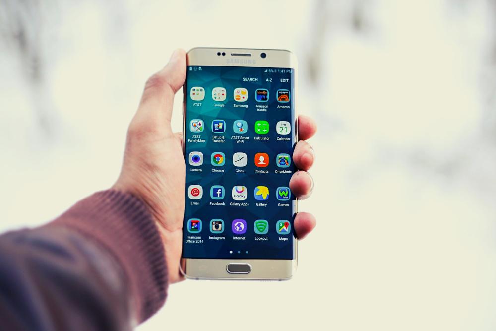 Smartphone con aplicaciones instaladas