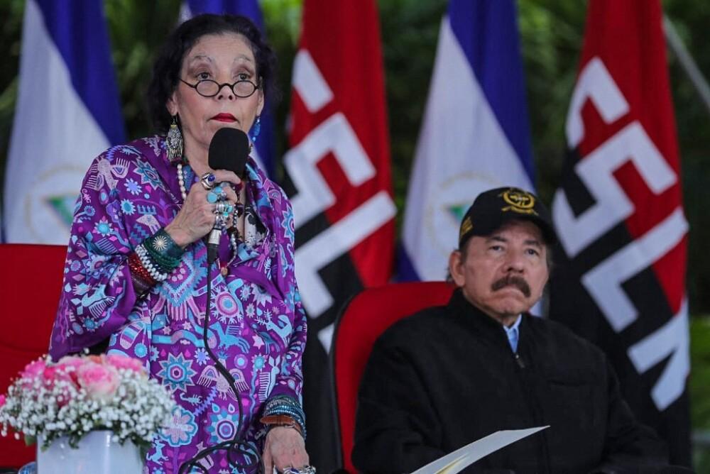 Rosario Murillo y Daniel Ortega.jpeg
