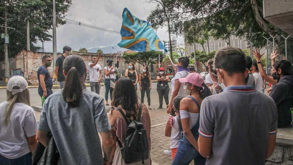 PROTESTA COMUNIDAD SORDA FOTO @LECUENTO.jfif