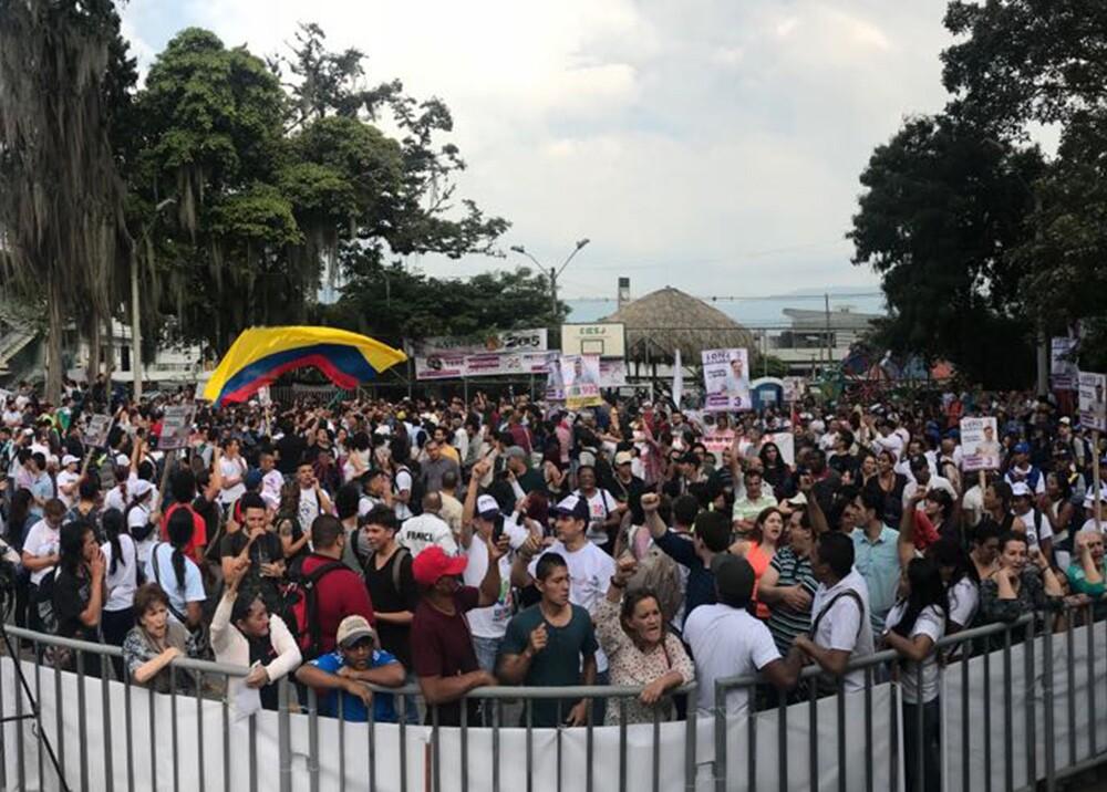 301073_Blu Radio. Petro en Medellín / Foto: @DanielRMed