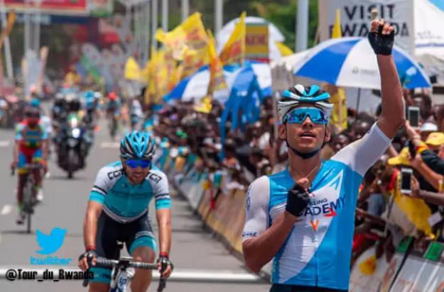 Edwin Ávila, ciclista colombiano.