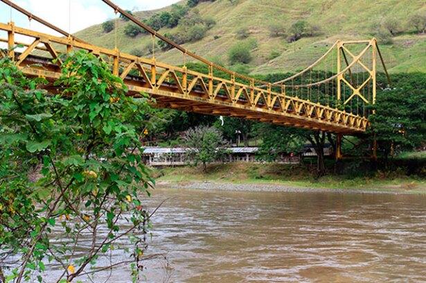 061016_puente_bolombolo.jpg