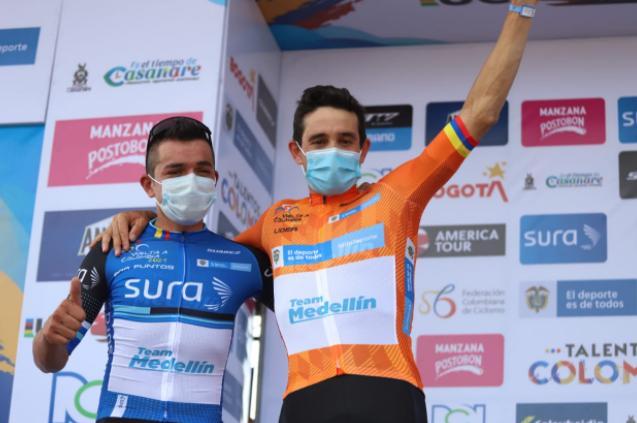 Oscar Sevilla es el primer líder de la Vuelta a Colombia tras ganar el prólogo en Yopal. Foto: Federación Colombiana de Ciclismo.
