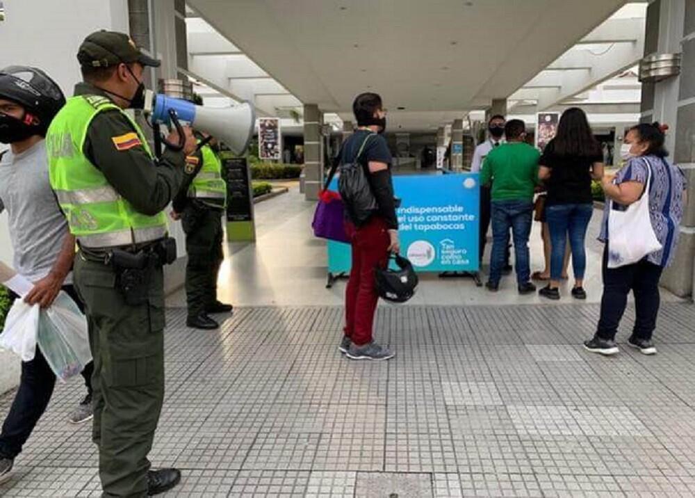 370027_BLU Radio: Compras Floridablanca / Foto: Suministrada