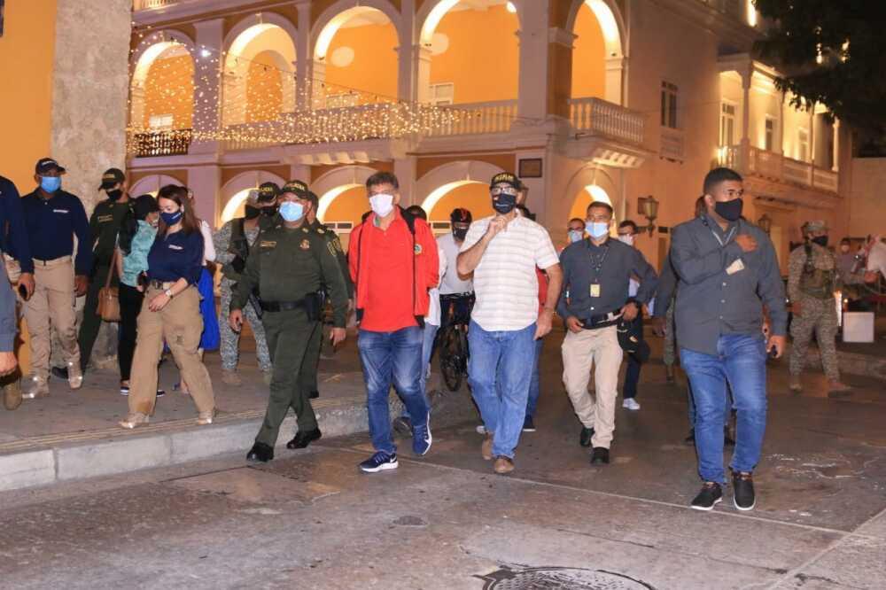 toque de queda en cartagena con el alcalde wiliam dau.jpeg