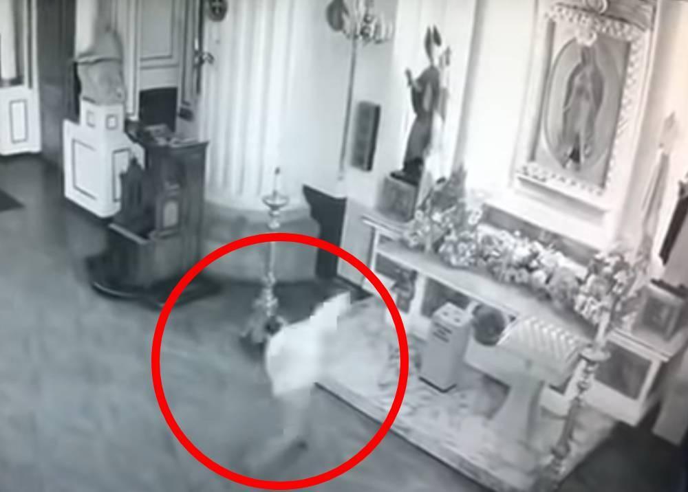 hombre  lanzó piedras a una imagen de la Virgen María..jpeg