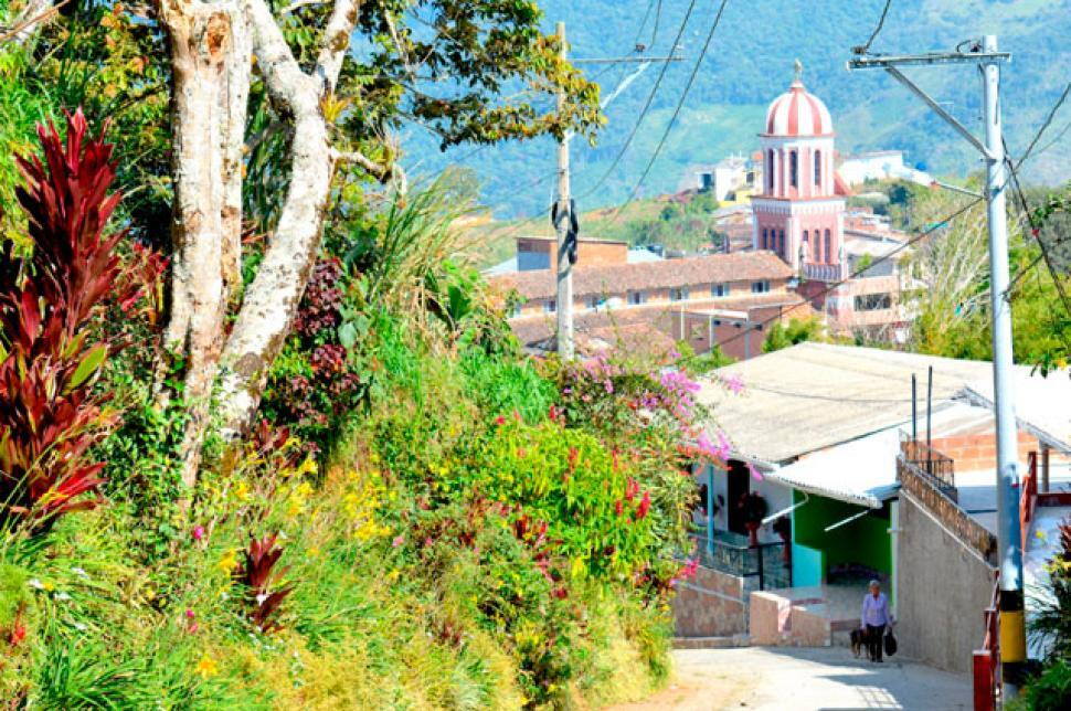 336126_BLU Radio. Campamento, Antioquia / Foto: Alcaldía de Campamento