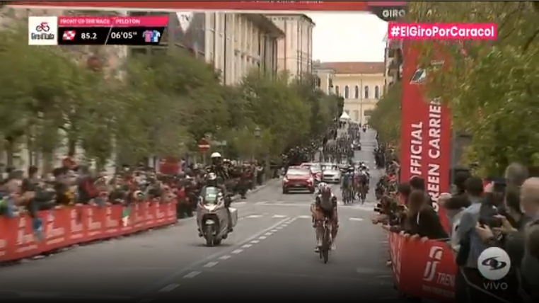 Fernando Gaviria ganó el esprint intermedio en la etapa 8 del Giro de Italia.