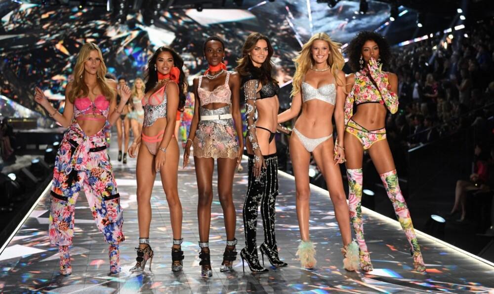 Desfile de 'ángeles' de Victoria's Secret.jpg