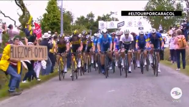 La aficionada que ocasionó caída en el Tour de Francia será juzgada.