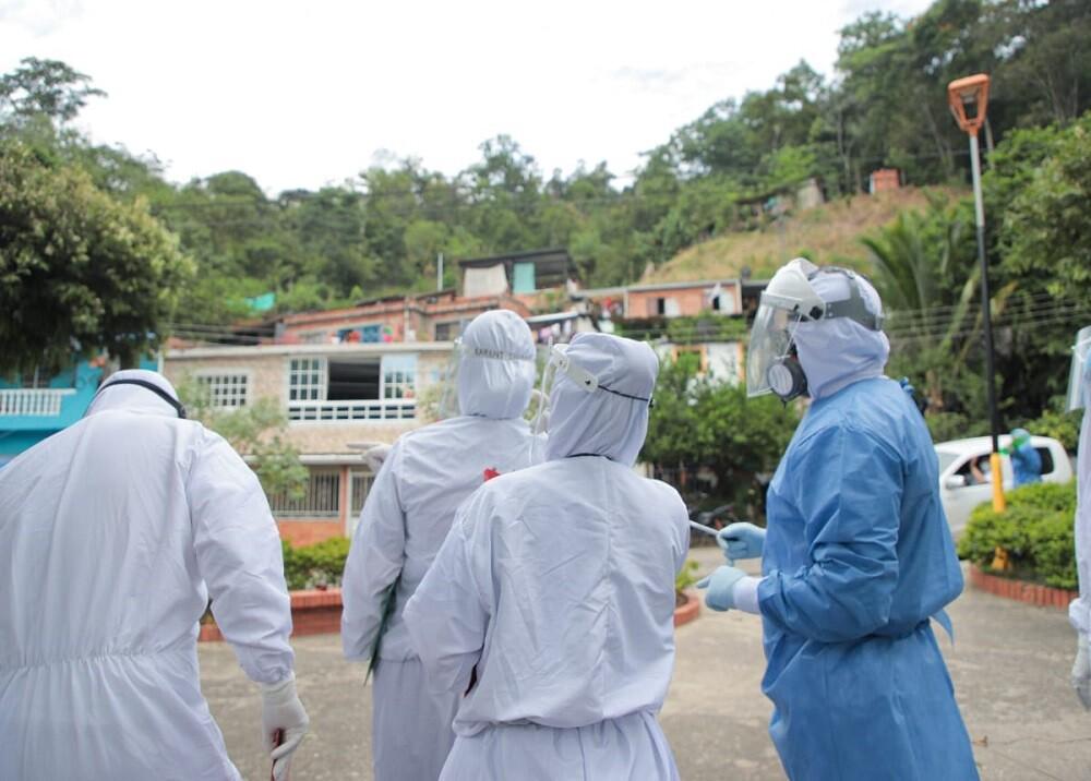 372351_BLU Radio: Epidemiólogos en Santander / Foto: Suministrada