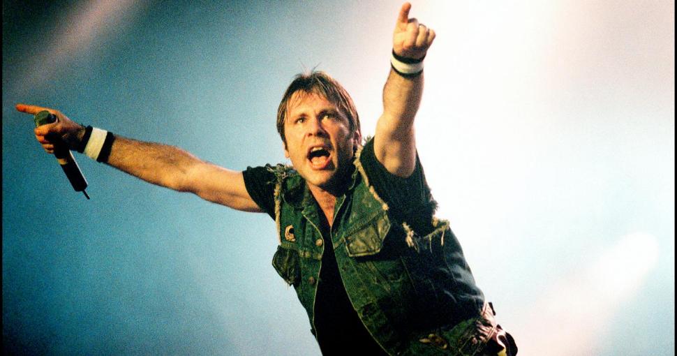 Bruce Dickinson vocalista Iron Maiden