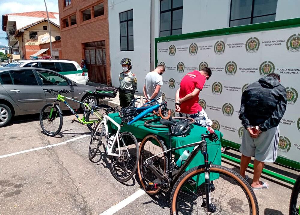 ladrones de bicicletas.jpg