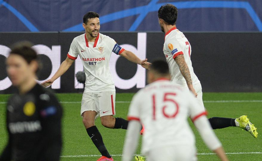 Suso Fernández anotó el primer gol de Sevilla en la derrota 2-3 frente a Borussia Dortmund. AFP.