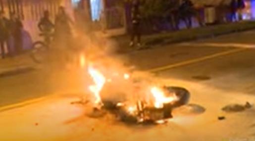Moto incinerada