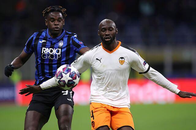 332914_Duván Zapata en el partido contra Valencia