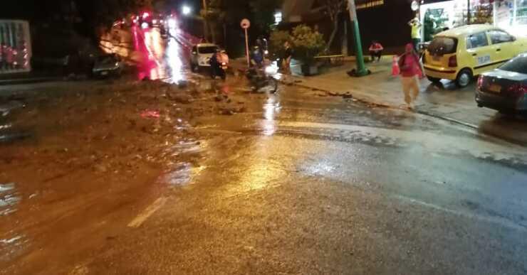 Viviendas y negocios afectados en La Loma del Indio dejó fuerte aguacero en Medellín