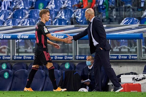 Martín-Odegaard-y-Zinedine-Zidane.jpg