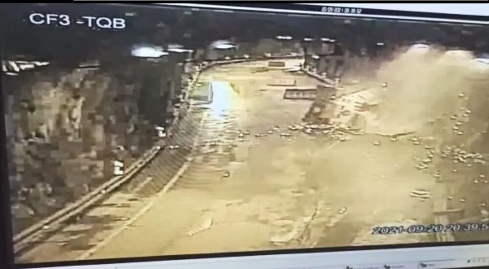 accidente de tractomula en la vía bogota villavicencio.jpg