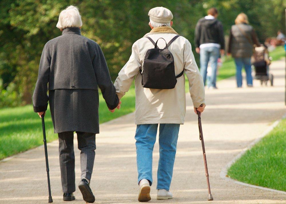 Discriminación por edad aumentó en la pandemia.