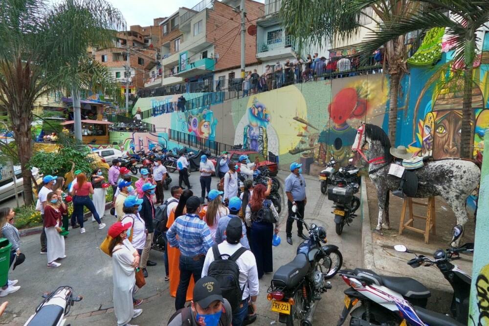 Turismo en Medellín en la comuna 13.jpeg