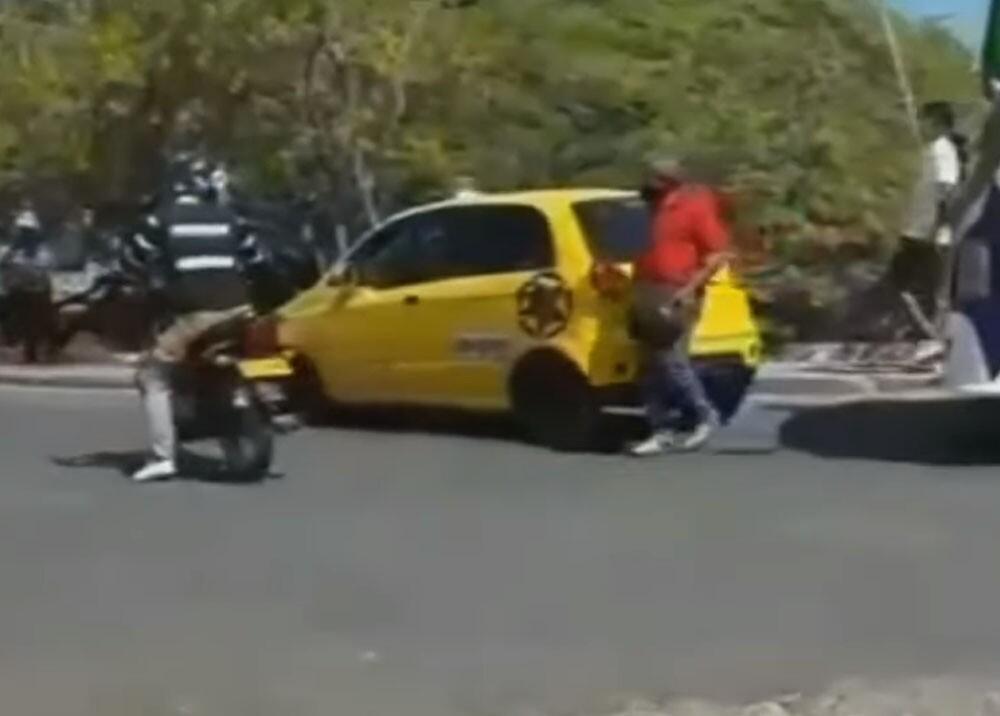 taxista que intentó atropellar a transito en cartagena.jpg