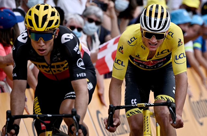 Wout van Aert y Mathieu van der Poel tuvieron un duelo por el maillot amarillo en la etapa 7 del Tour de Francia.