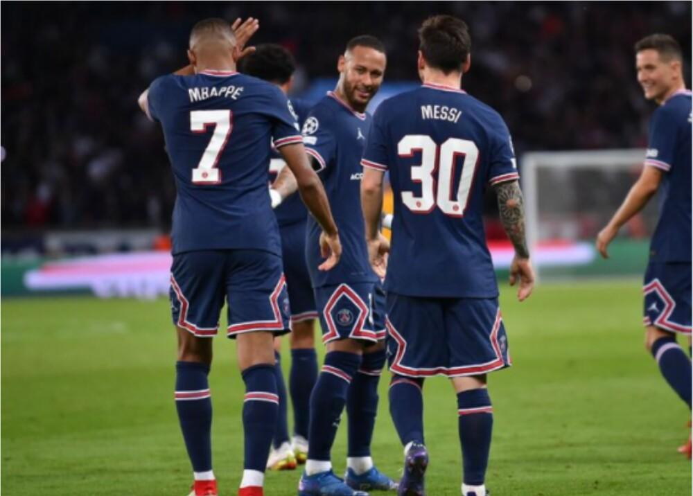 Mbappé Messi y Neymar _Twitter PSG.jpg