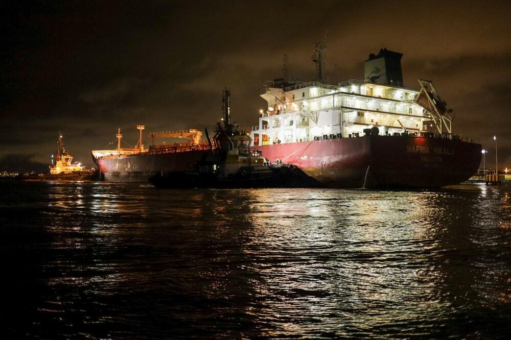 buque cargado de combustible que llego a Cartagena.jpeg
