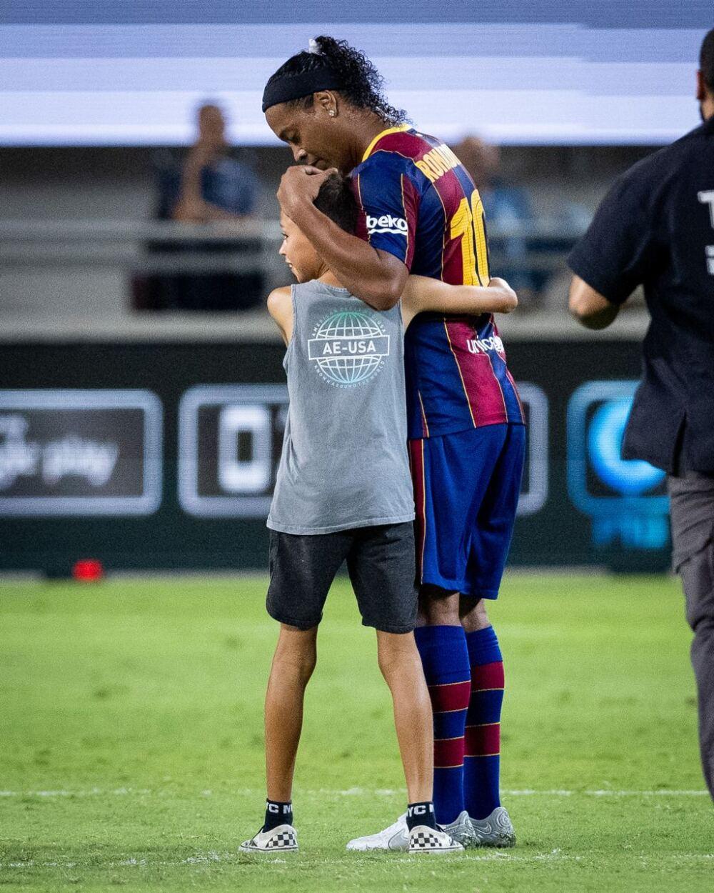Ronaldinho, exjugador brasileño. @FCBarcelona.jpg