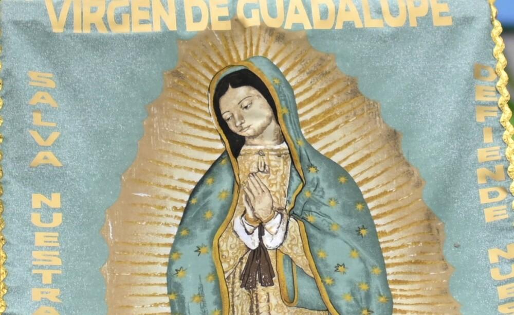 Familia halló trozo de madera con la silueta de la virgen de Guadalupe