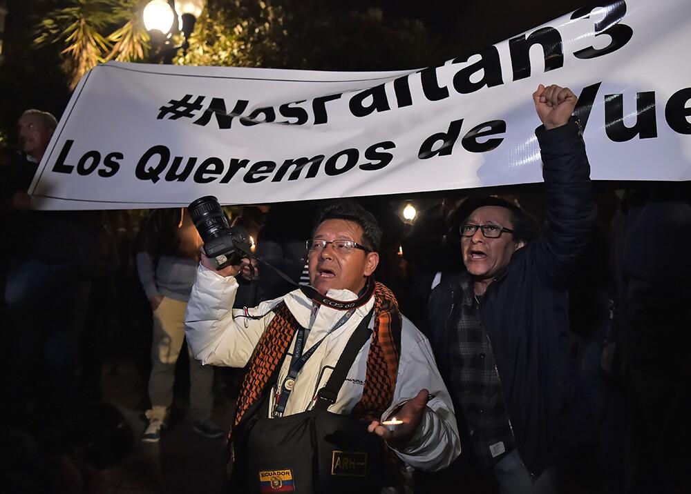 303317_BLU Radio. Periodistas piden liberación de 3 secuestrados en frontera colombo-ecuatoriana. Foto: AFP