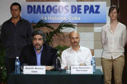 43353_Garantes de diálogos de paz Foto: Twitter @FARC_EPaz
