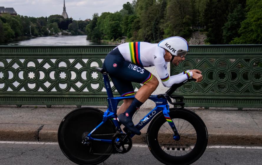 Filippo Ganna mandó en la etapa 1 del Giro de Italia 2021.
