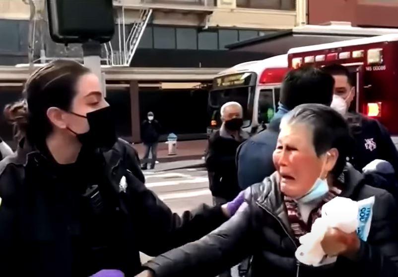 abuela asiática golpeada se defiende